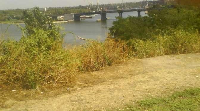 Ингульский мост, который соединяет центр города с Соляными.