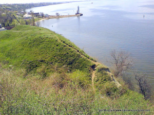 Холм в Широкой Балке, за которым вода
